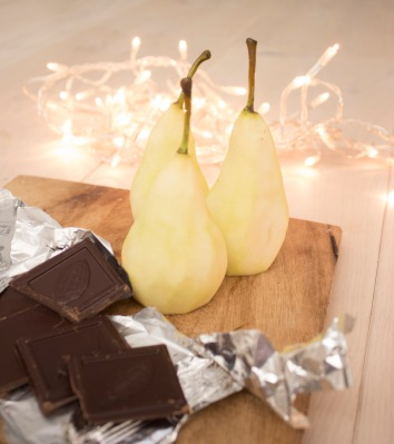 chocolate-poached-pears-ingredients